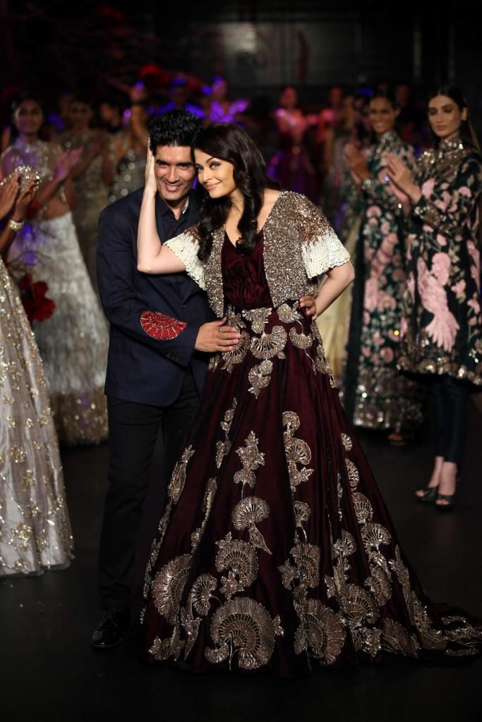 Manish Malhotra  asian fashion blog bridal