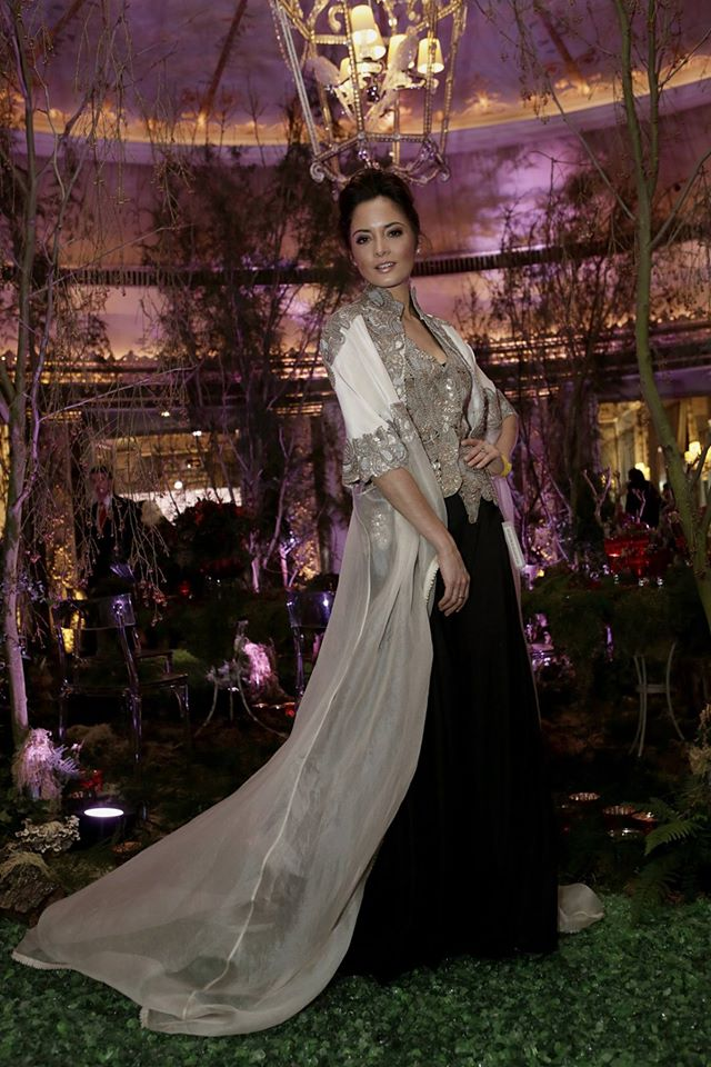 asian wedding fashion blog1 anamika khanna2